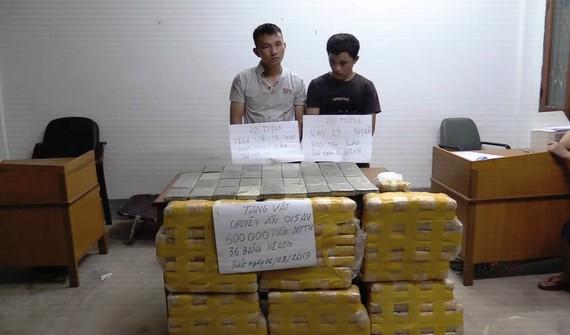 Hai đối tượng bị bắt cùng tang vật ma túy