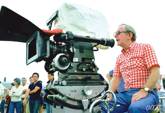 Đạo diễn kỳ cựu của Điệp viên 007  qua đời