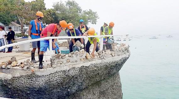 Philippines đóng cửa đảo du lịch Boracay vì ô nhiễm