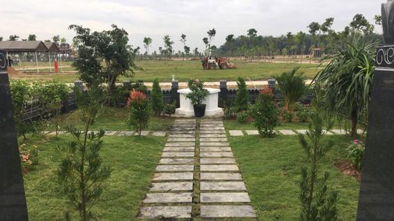 Một góc hoa viên nghĩa trang đang được chào bán trên thị trường