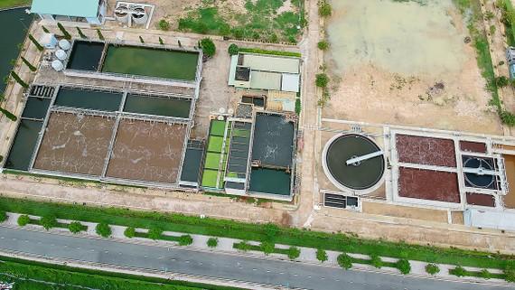 Xử lý nước thải tại Khu công nghệ cao TPHCM  Ảnh: CAO THĂNG