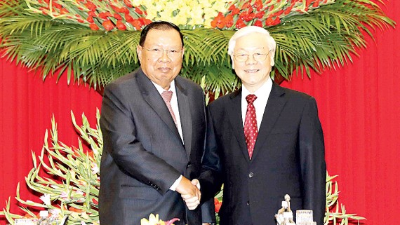 Tổng Bí thư Nguyễn Phú Trọng đón Tổng Bí thư, Chủ tịch nước Lào Bounnhang Vorachith