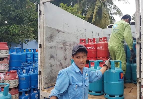 Từ đầu tháng 5-2018 đến nay, giá gas trong nước đã 5 lần được điều chỉnh với tổng mức tăng khoảng 40.000 đồng/ bình 12 kg