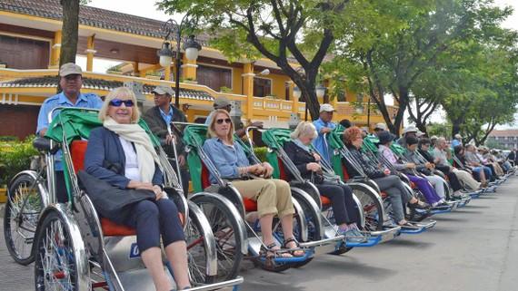Du lịch Quảng Nam, Đà Nẵng tăng trưởng nóng dẫn đến sự cạnh tranh khốc liệt về nguồn nhân lực     Ảnh: NGỌC PHÚC