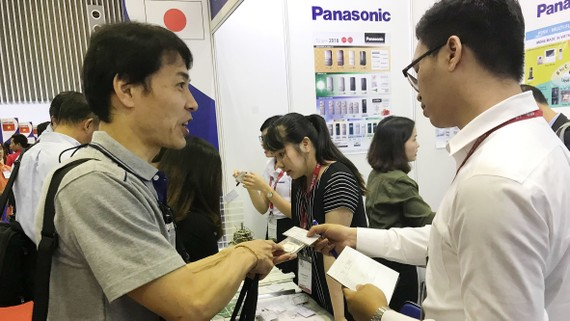 Các DN CNHT Việt Nam tăng cường kết nối DN FDI để tham gia  vào chuỗi sản xuất toàn cầu