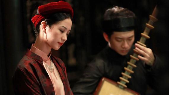 Trang phục của diễn viên Jun Vũ trong  Người bất tử được may thủ công kỹ lưỡng