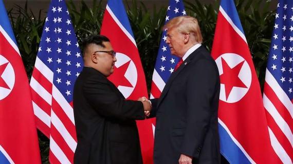 Tổng thống Mỹ Donald Trump và nhà lãnh đạo Triều Tiên Kim Jong Un. Nguồn: REUTERS
