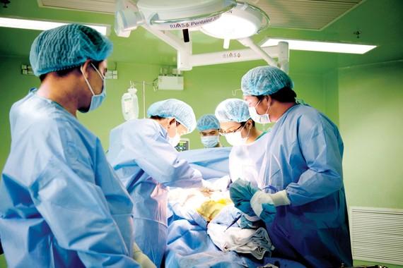 Nhiều kỹ thuật cao được triển khai tại Bệnh viện Quận 11