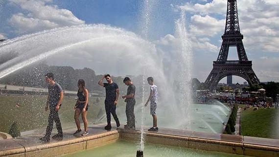 Pháp đón lượng du khách kỷ lục