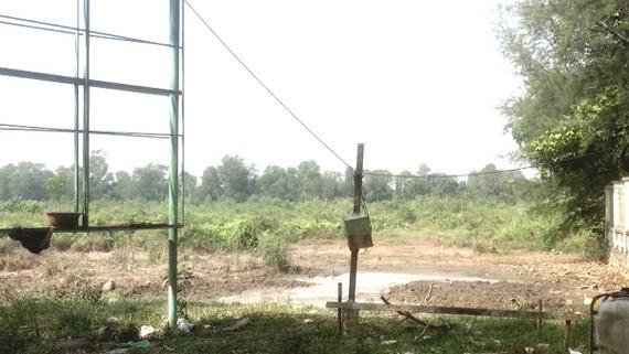 Bên trong Làng Cam hiện vẫn còn bỏ hoang