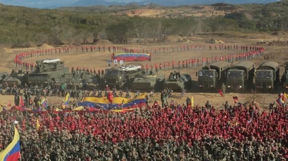 Hình ảnh cuộc tập trận được ông Maduro đăng tải trên Twitter. Ảnh: TWITTER