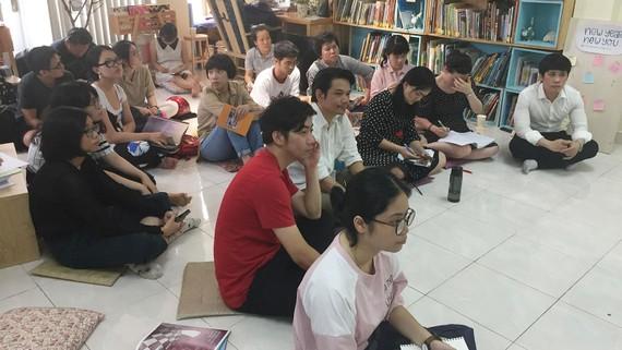 """Các tác giả trẻ của Việt Nam đến với buổi tọa đàm  """"Hành trình từ ý tưởng đến sách tranh"""""""