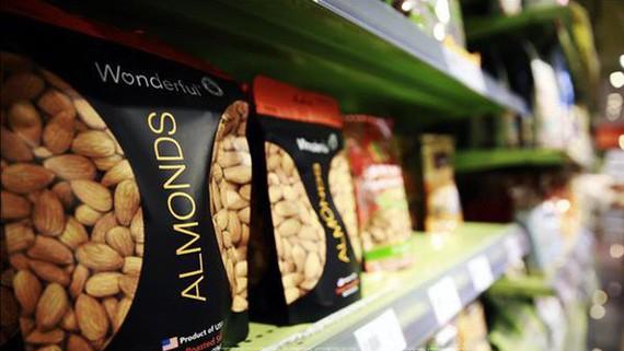 Hàng hóa nhập khẩu từ Mỹ được bày bán tại một siêu thị ở Bắc Kinh, Trung Quốc. Ảnh: TTXVN