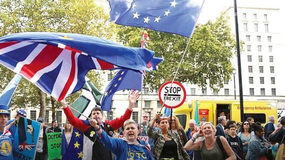 Người dân Anh tuần hành trước trụ sở Hạ viện ủng hộ Anh ở lại EU