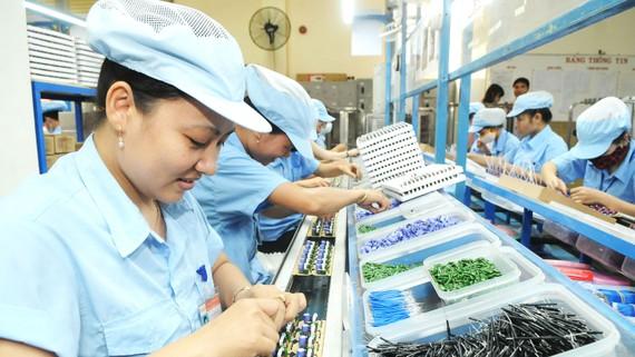 Doanh nghiệp sản xuất linh kiện điện tử Việt Nam hưởng lợi  khi Mỹ áp thuế hàng Trung Quốc. Ảnh: CAO THĂNG