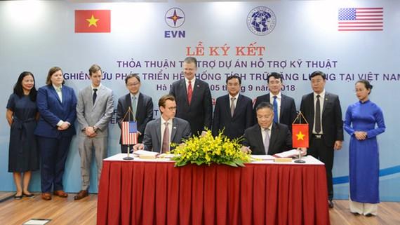 USTDA ký kết tài trợ dự án kỹ thuật của EVN