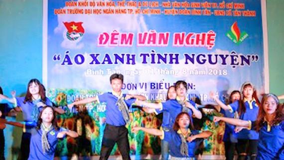 """Đêm văn nghệ """"Áo xanh tình nguyện"""" của Đoàn TNCS HCM  thuộc Đảng bộ Khối cơ sở Bộ VH-TT-DL"""