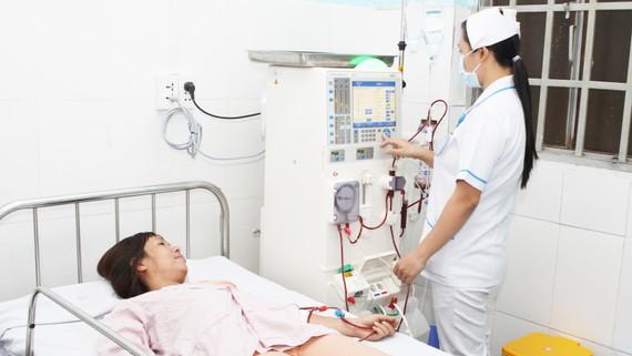 Bệnh nhân được thăm khám tại Trạm Y tế phường Bình Chiểu (quận Thủ Đức, TPHCM)