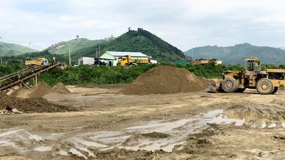 Một công trường khai thác cát tại Khánh Hòa gây biến dạng môi trường