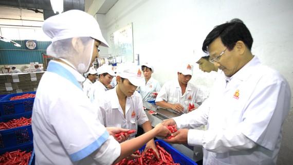 Doanh nghiệp đẩy mạnh cung ứng hàng tết ra thị trường