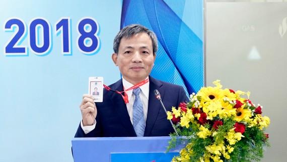 Ông Nguyễn Sinh Khang phát biểu trước đại hội đồng cổ đông PV GAS