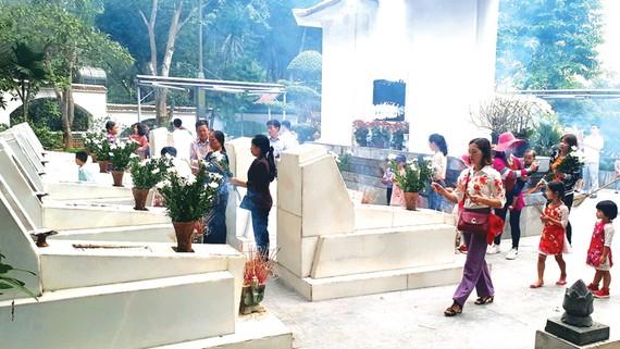 Di tích lịch sử, đền chùa ở Hà Tĩnh hút du khách