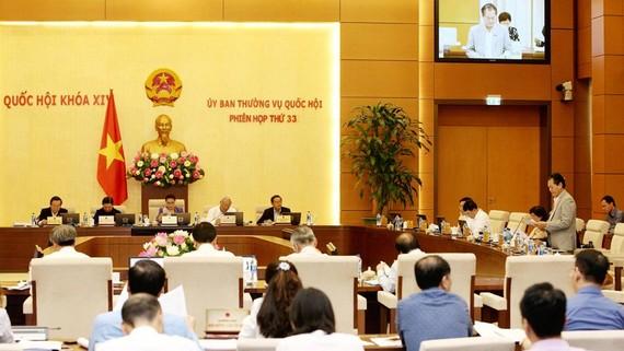 Quang cảnh Phiên họp thứ 33 của Ủy ban Thường vụ Quốc hội. Ảnh: TTXVN