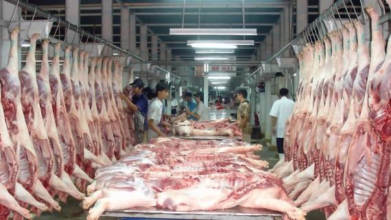 Nguồn cung ứng thịt heo đang được thắt chặt kiểm soát do lo ngại dịch bệnh