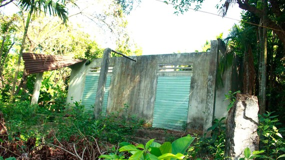 Căn nhà trong vùng dự án thuộc tổ dân phố Liên hiệp 1C,  phường Trương Quang Trọng, bỏ hoang lâu năm