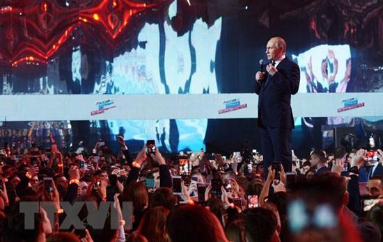 Tổng thống Nga Vladimir Putin phát biểu tại một diễn đàn ở Moskva ngày 15/3.