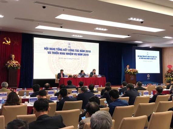 Phó Thủ tướng Trịnh Đình Dũng chỉ đạo tại Hội nghị tổng kết của EVN.