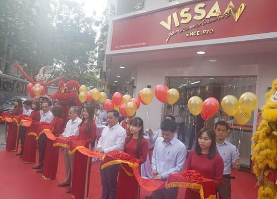 Lễ khai trương cửa hàng Vissan Premium.