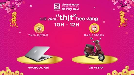 Giờ vàng Macbook Air - xe Vespa.