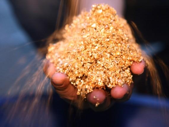 1,8 triệu ounce được giao dịch trong 1 phút, giá vàng lao dốc mạnh