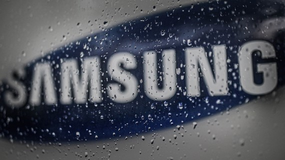 Distractions at the top come at a time when Samsung Electronics could potentially capitalize on the troubles facing Chinese rival Huawei Technologies.   © Reuters
