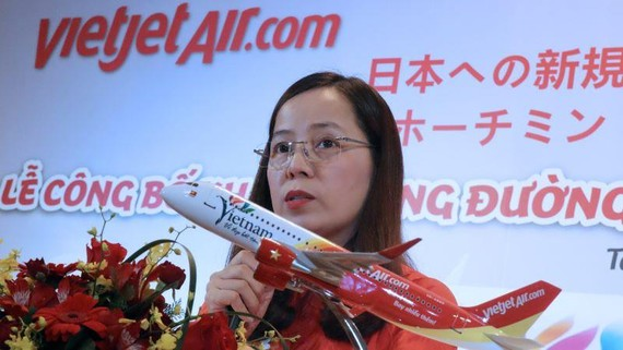 Vietjet Vice President Nguyen Thi Thuy Binh said the platform will cover banking, insurance and other financial services, as well as hotels, consumer goods and more. (Photo by Ken Kobayashi)
