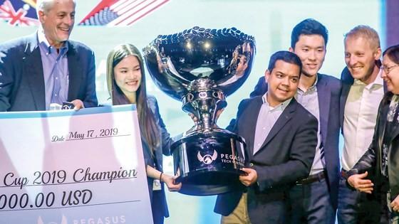 Abivin nhận giải thưởng cao nhất tại World Cup Startup ở San Francisco vào ngày 17-5.