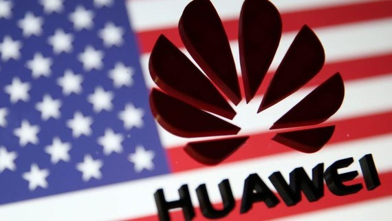 U.S. federal agencies use nearly 7,000 pieces of equipment made by Huawei Technologies.   © Reuters