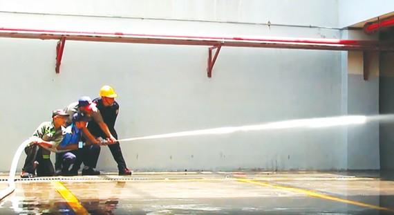 Kiểm tra năng lực chữa cháy của lực lượng PCCC tại chỗ của chung cư
