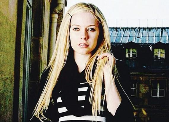 Avril Lavigne trở lại làng âm nhạc Mỹ