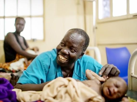 Bác sĩ Nam Sudan nhận giải Nansen vì người tị nạn