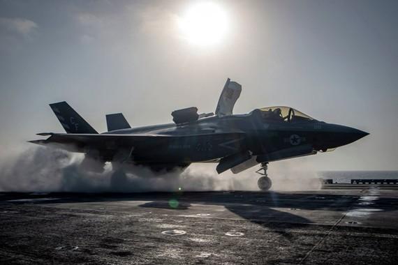 Mỹ ngừng bay tất cả máy bay F-35