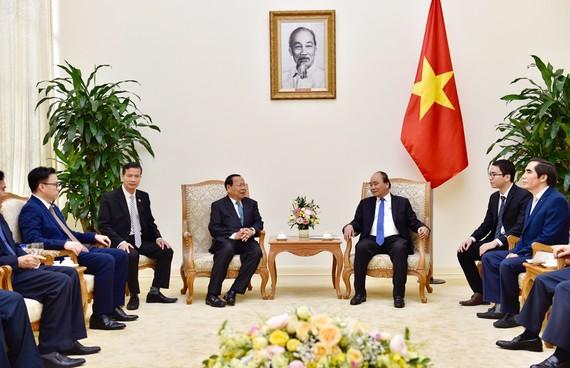 Thủ tướng Nguyễn Xuân Phúc tiếp Bộ trưởng Bộ Kế hoạch Campuchia Chhay Than. Ảnh: VGP