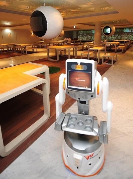Quán cà phê robot 5G đầu tiên trên thế giới