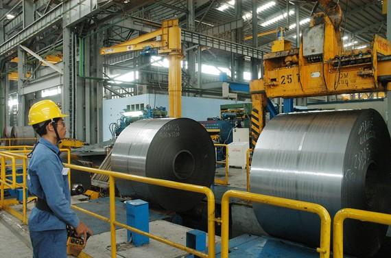 Sản xuất thép cuộn tại tỉnh Bà Rịa - Vũng Tàu                     Ảnh: CAO THĂNG