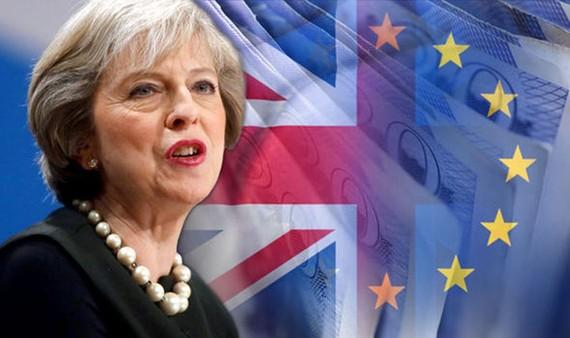 Thỏa thuận bị bác bỏ hồi tháng 1 đã khiến Thủ tướng Anh Theresa May phải đàm phán lại với Liên minh châu Âu. Ảnh: Daily Mail