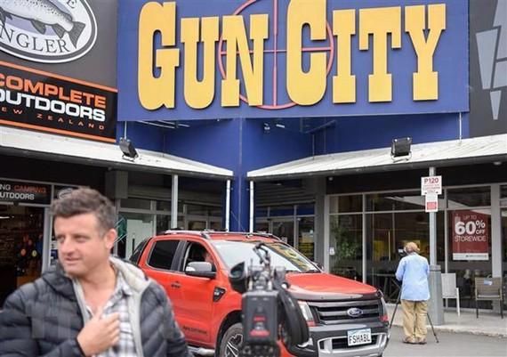 Cửa hàng bán súng đạn tại ngoại ô Christchurch, New Zealand ngày 18/3/2019. (Ảnh: THX/TTXVN)