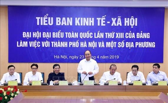 Thủ tướng Nguyễn Xuân Phúc, Trưởng Tiểu ban Kinh tế - Xã hội Đại hội đại biểu toàn quốc lần thứ XIII của Đảng phát biểu. Ảnh: TTXVN
