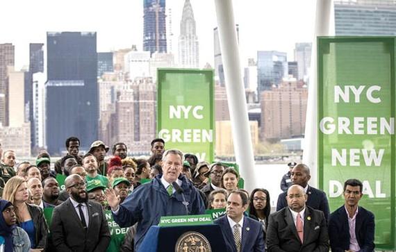 """New York cấm xây nhà chọc trời """"bọc"""" kính"""