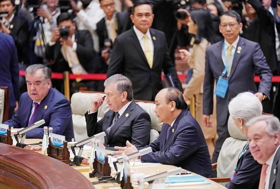 """Thủ tướng dự Hội nghị """"Thúc đẩy kết nối để tìm kiếm các động lực tăng trưởng mới"""", thuộc Diễn đàn BRI"""